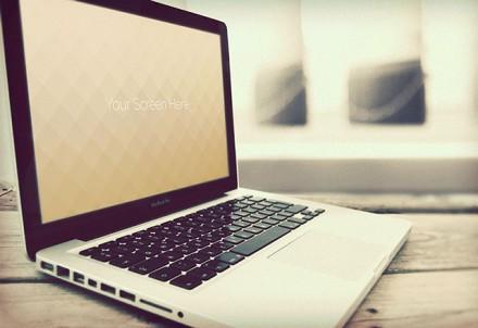 4 Macbook mockups PSD